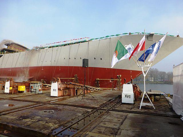 الجزائر تبني السفينة الشراعية  في بولونيا والتسليم في 2016 - صفحة 2 Wodowanie-038
