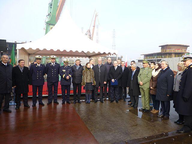 الجزائر تبني السفينة الشراعية  في بولونيا والتسليم في 2016 - صفحة 2 Wodowanie-047