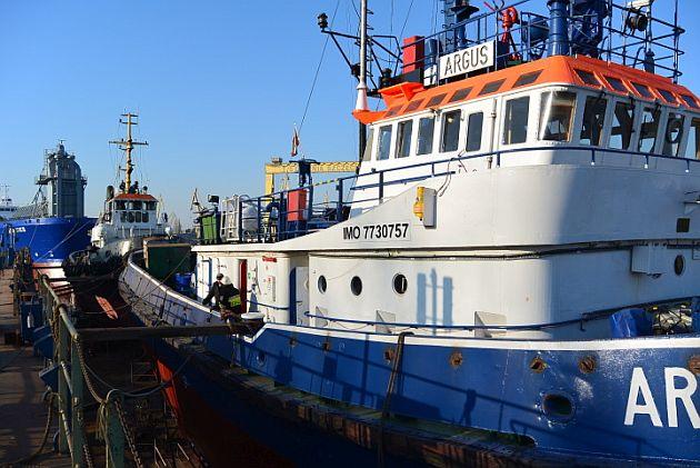 21 podwojne dokowanie holownikow-1