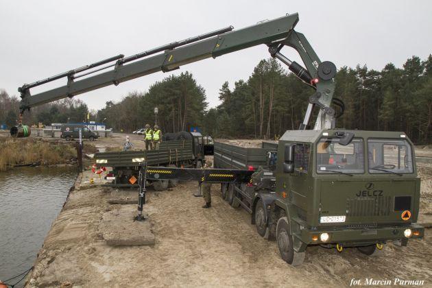 Wydobycie-bomb-g-binowych-DM-11-w-Kanale-Mieli-skim.-Foto-Marcin-Purman-2-1024x682