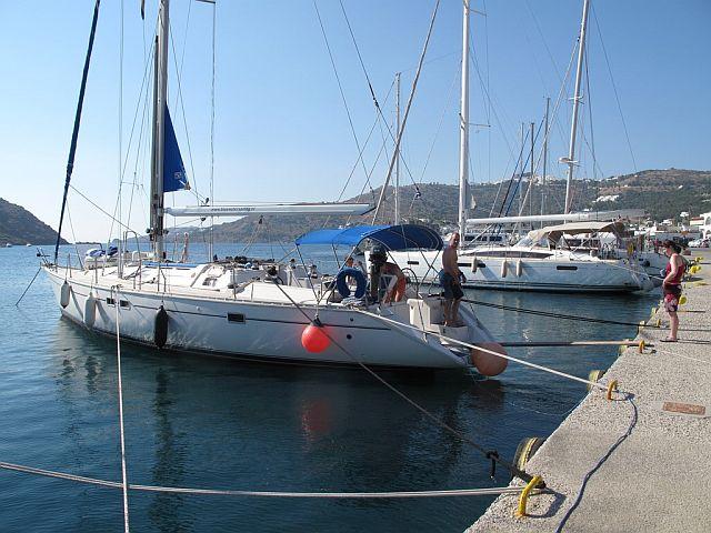 Jacht Osiris w porcie Skala na Patmos