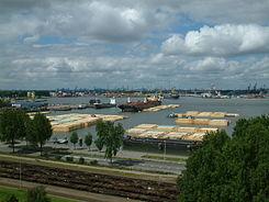 245px-Lashbakken_in_de_Waalhaven
