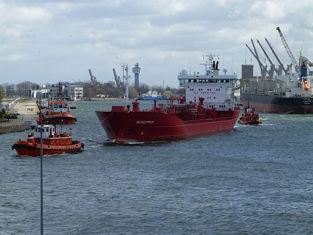 Port gdański 121