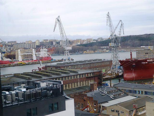 Dzisiejszy widok  na tereny b. Stoczni Gdynia 017