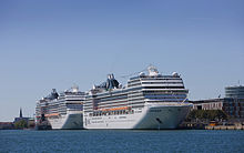Cruise_ship_in_Copenhagen