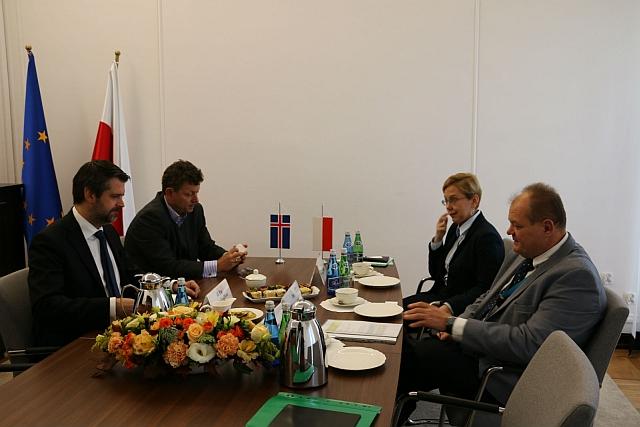 ambasador_islandii_z_ministrem_brzezickim