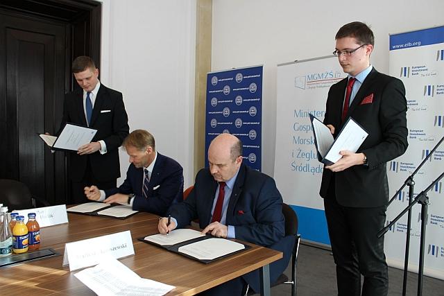 umowa_o_finansowanie_EBI_ZMPSS_podpisy